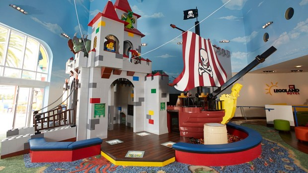 legoland-hotel-castle-play-area